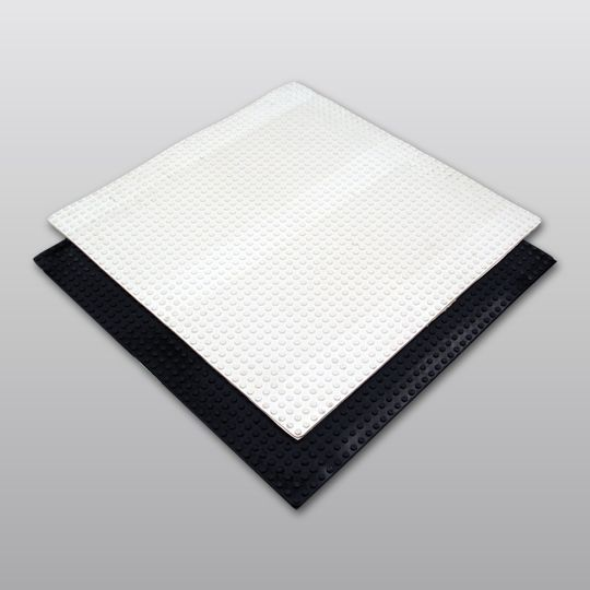 "Carlisle Syntec 30"" x 30"" Sure-White® EPDM Pressure-Sensitive Molded Walkway Pad White"